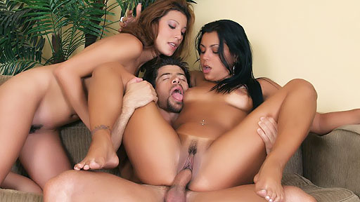 Latinas Taking Turns